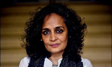 Arundhati Roy racisme